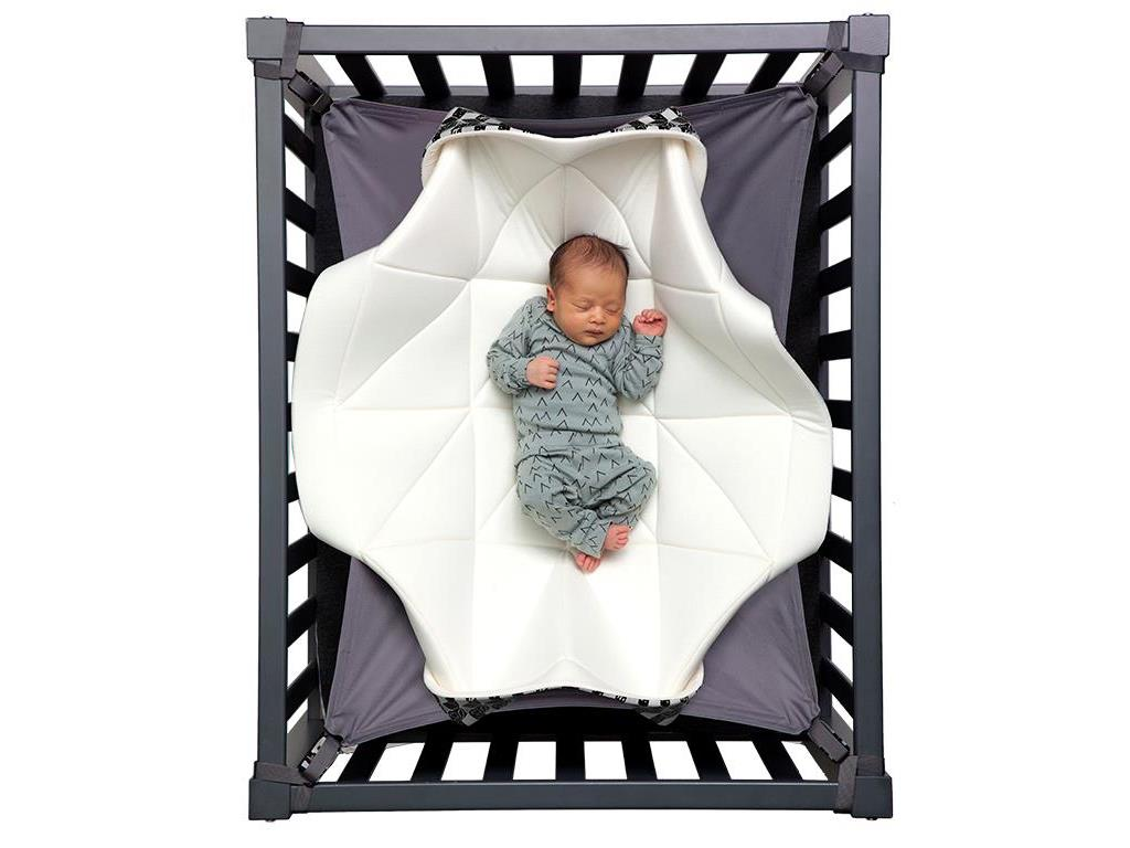 hangloose baby babyh ngematte f r laufgitter black and white edition. Black Bedroom Furniture Sets. Home Design Ideas
