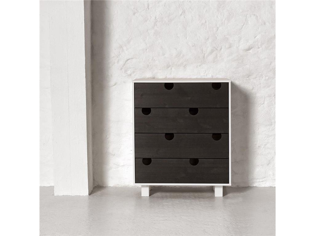 karup design kommode mit 4 schubladen kiefer wei schwarz karup house. Black Bedroom Furniture Sets. Home Design Ideas